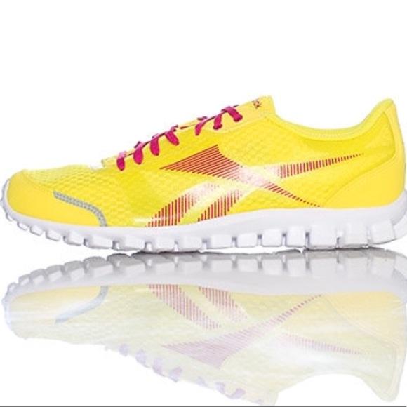 lucha los padres de crianza Fundir  Reebok Shoes | Realflex Optimal Yellow Sneaker Womens 85 | Poshmark